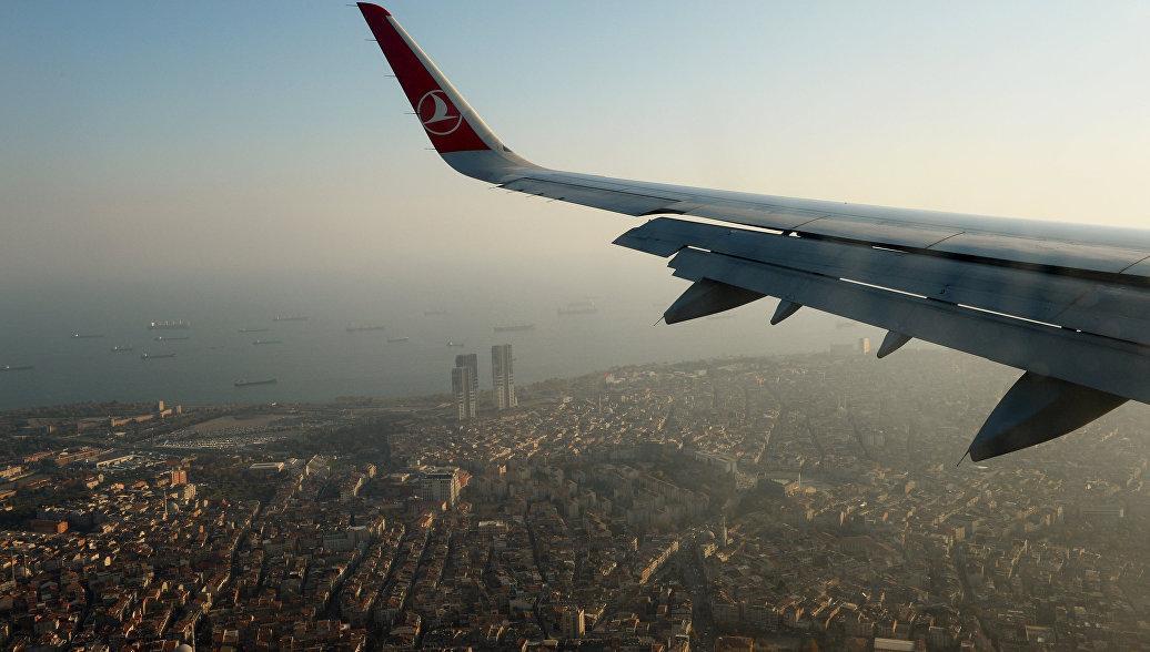 Фото самолета над Стамбулом