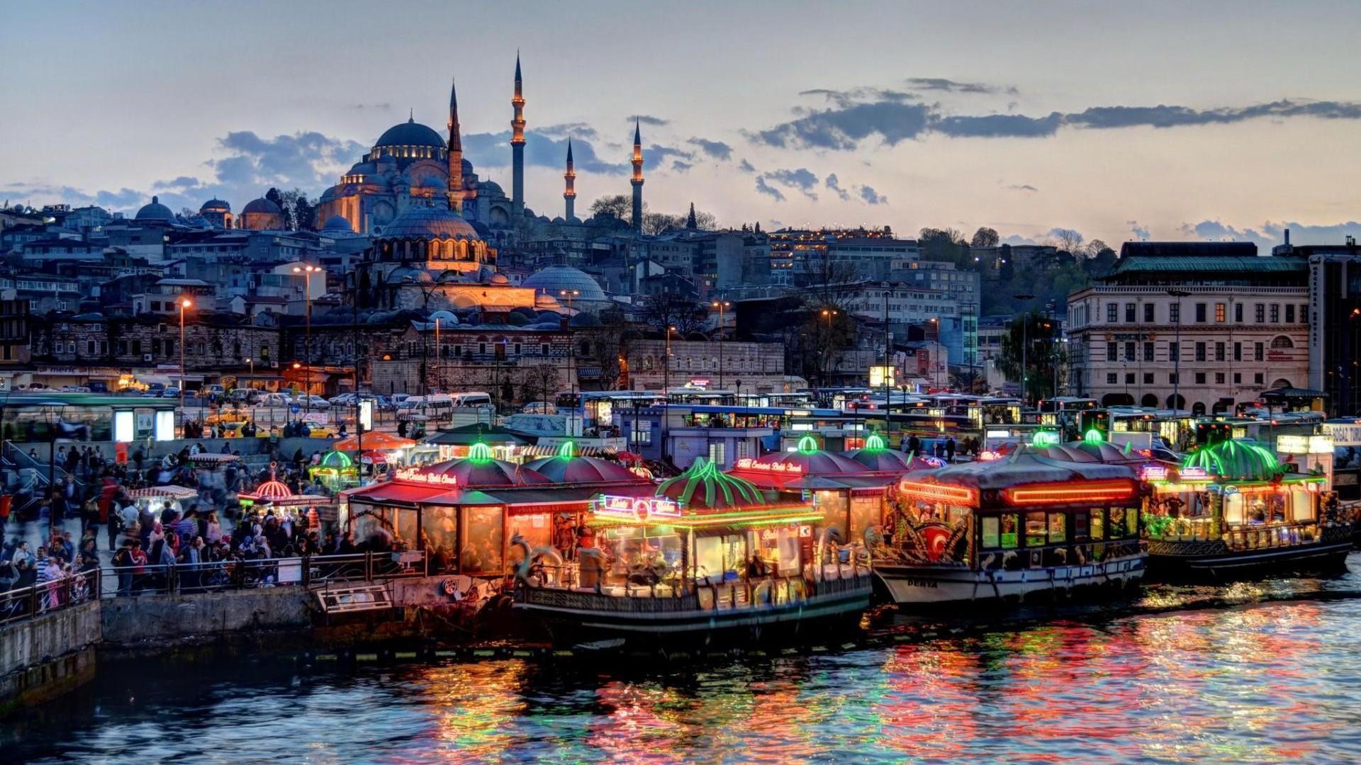Фото ночного Стамбула