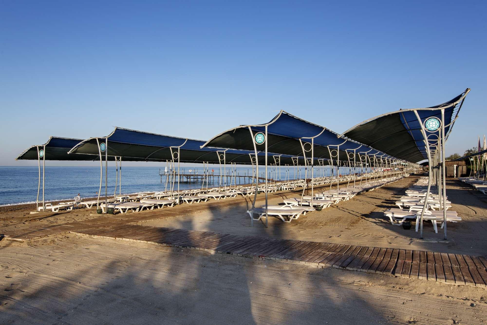Фото береговой линии у отеля