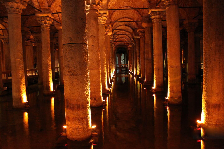 Фото подземелья собора
