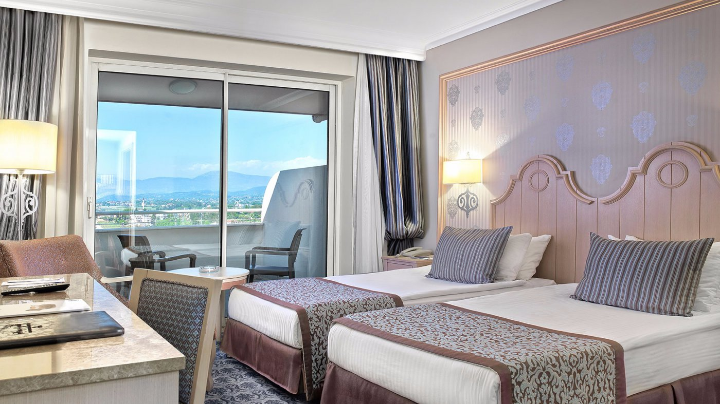 Фото номера в Starlight Resort Hotel 5*