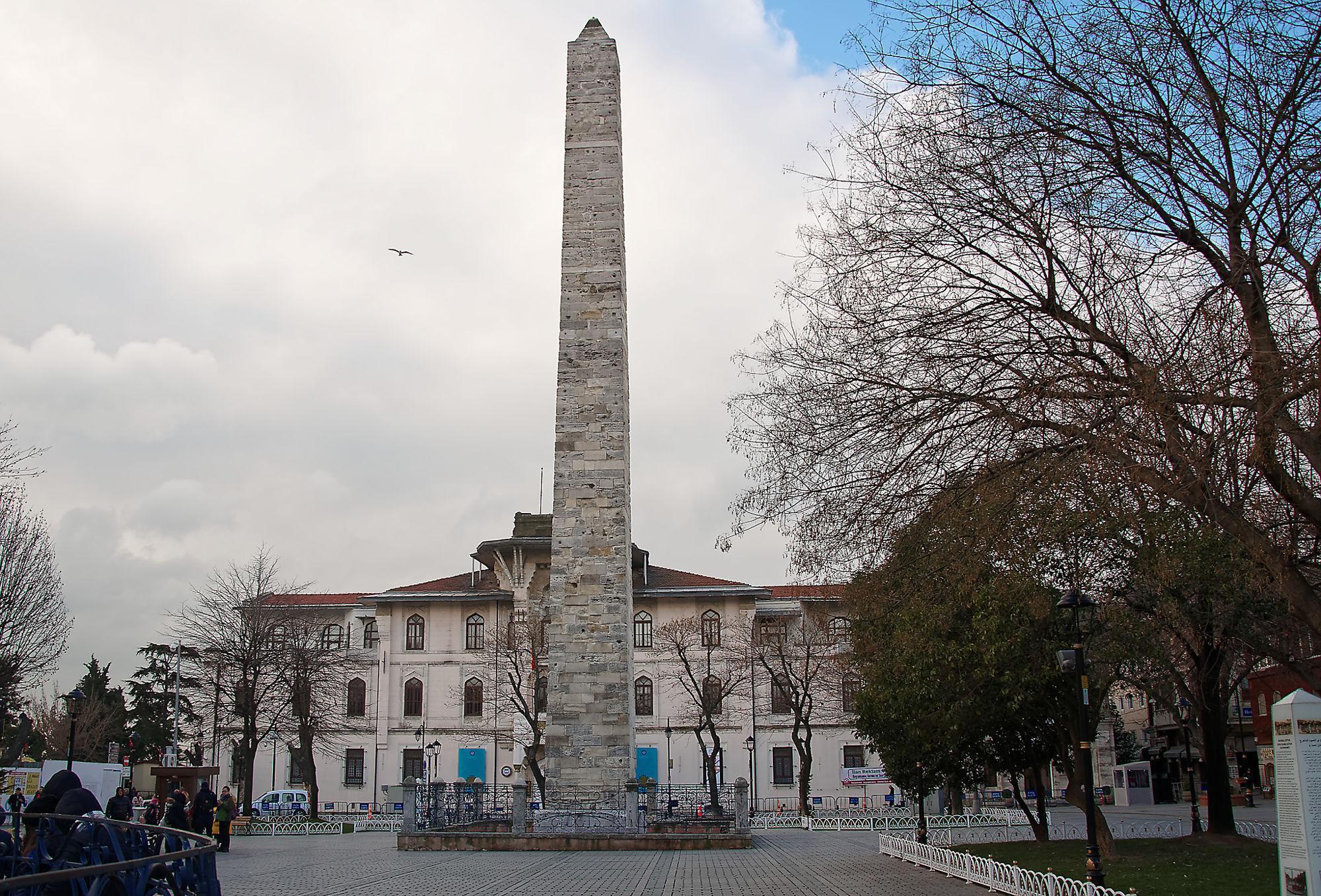 Фото обелиска Константина