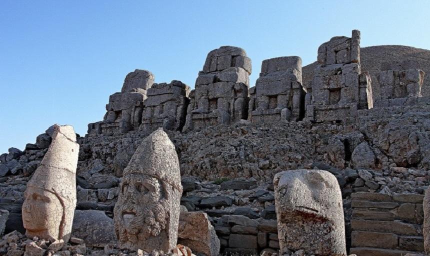 Немрут – гора богов