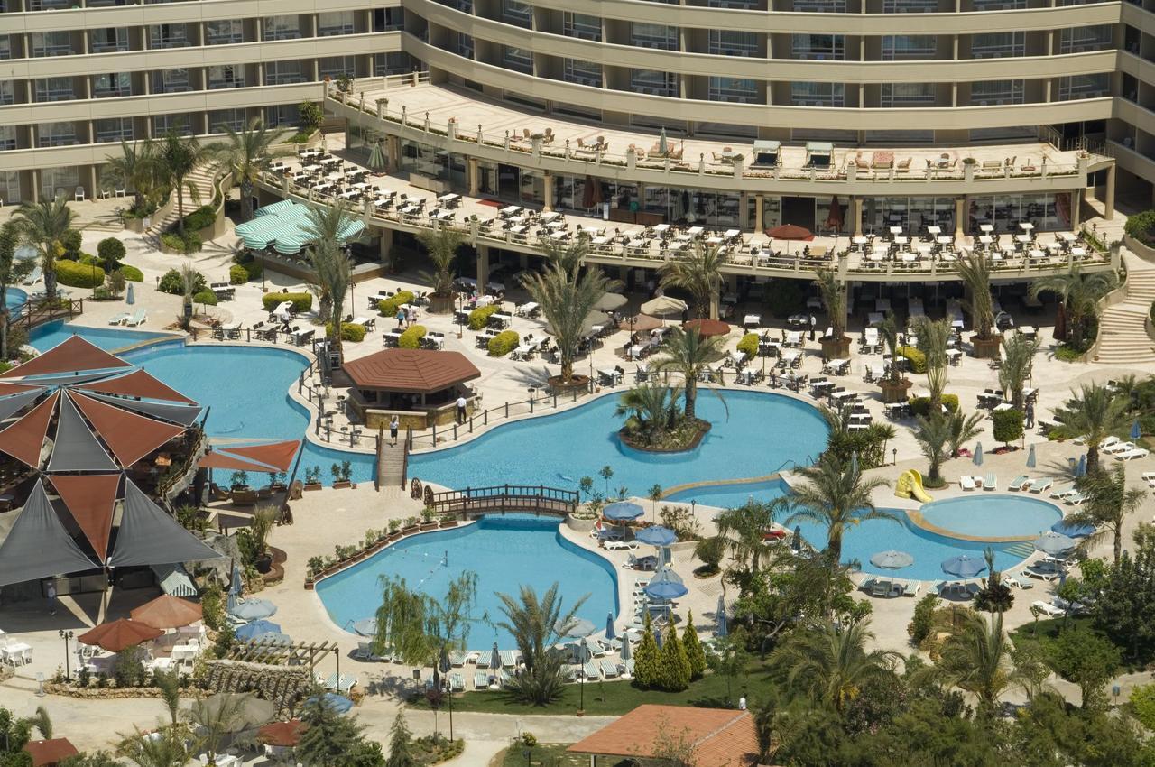 На фото отель Pemar Beach Resort