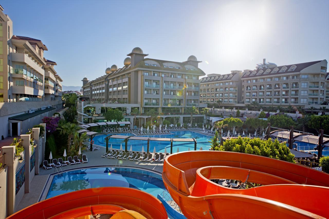 На фото отель Aydinbey King's Palace