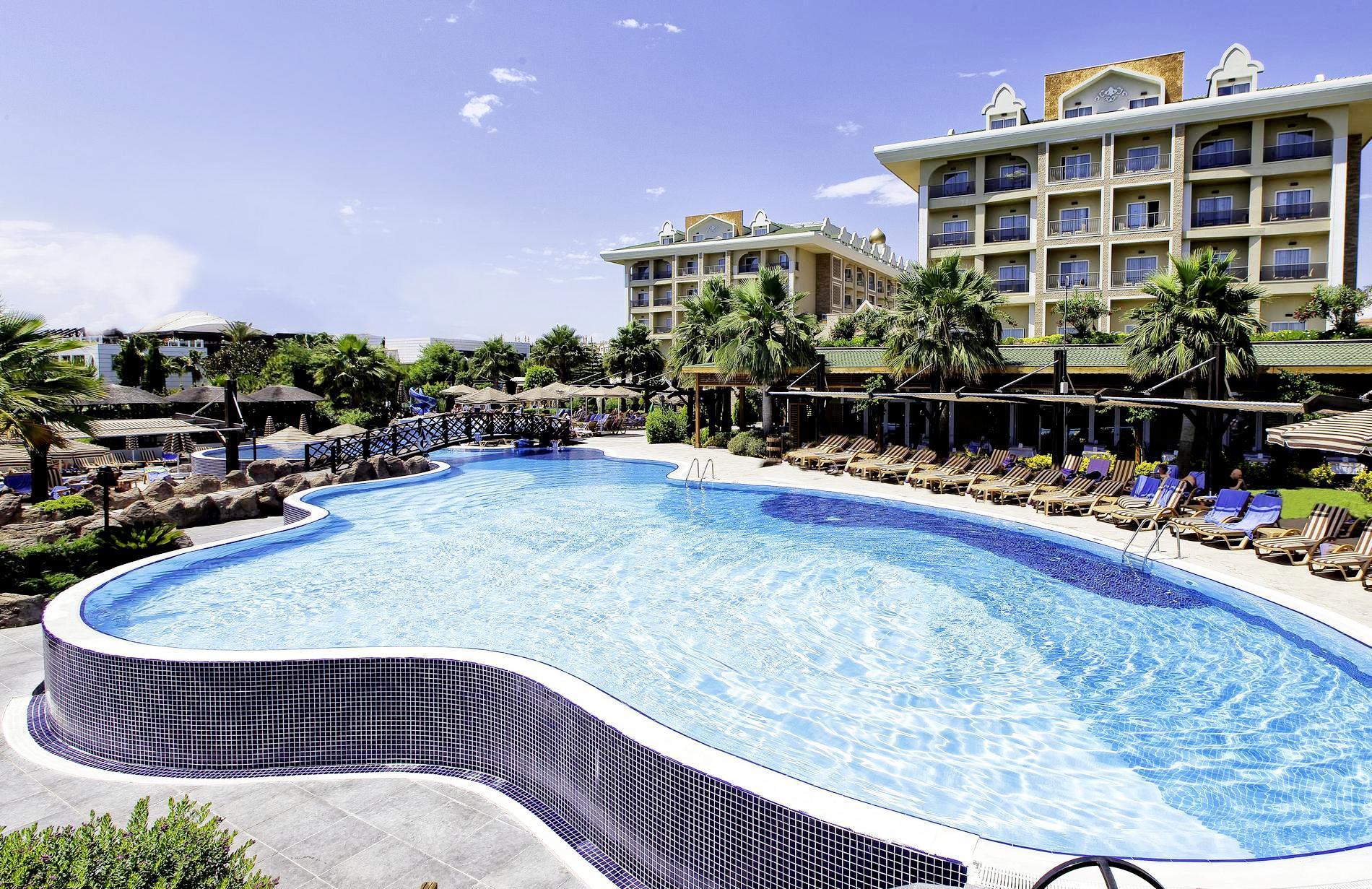 На фото отель Adalya Resort & Spa