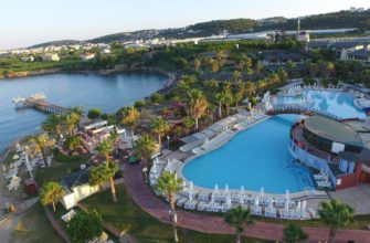 На фото отель Oz Hotels Incekum Beach Resort 5*