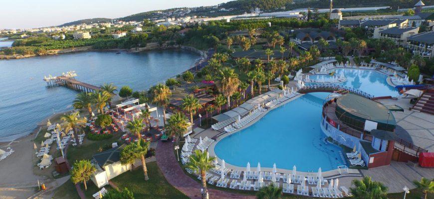 На фото отель Oz Hotels Incekum Beach Resort 5*