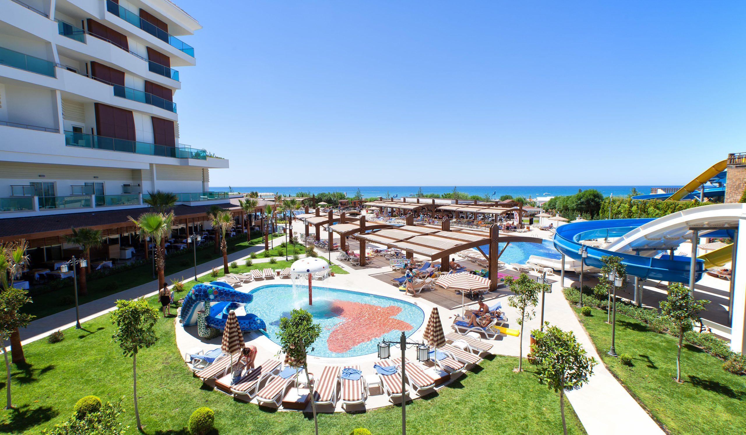 На фото отель Adalya Ocean Deluxe
