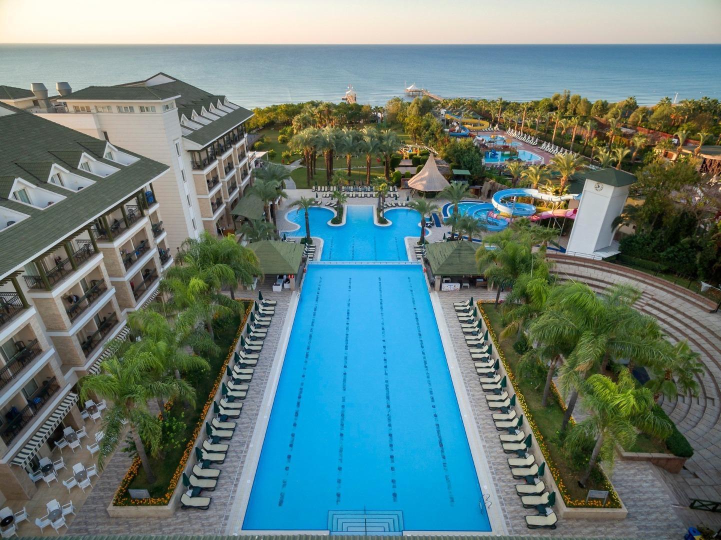 На фото отель Alva Donna Beach Resort Comfort
