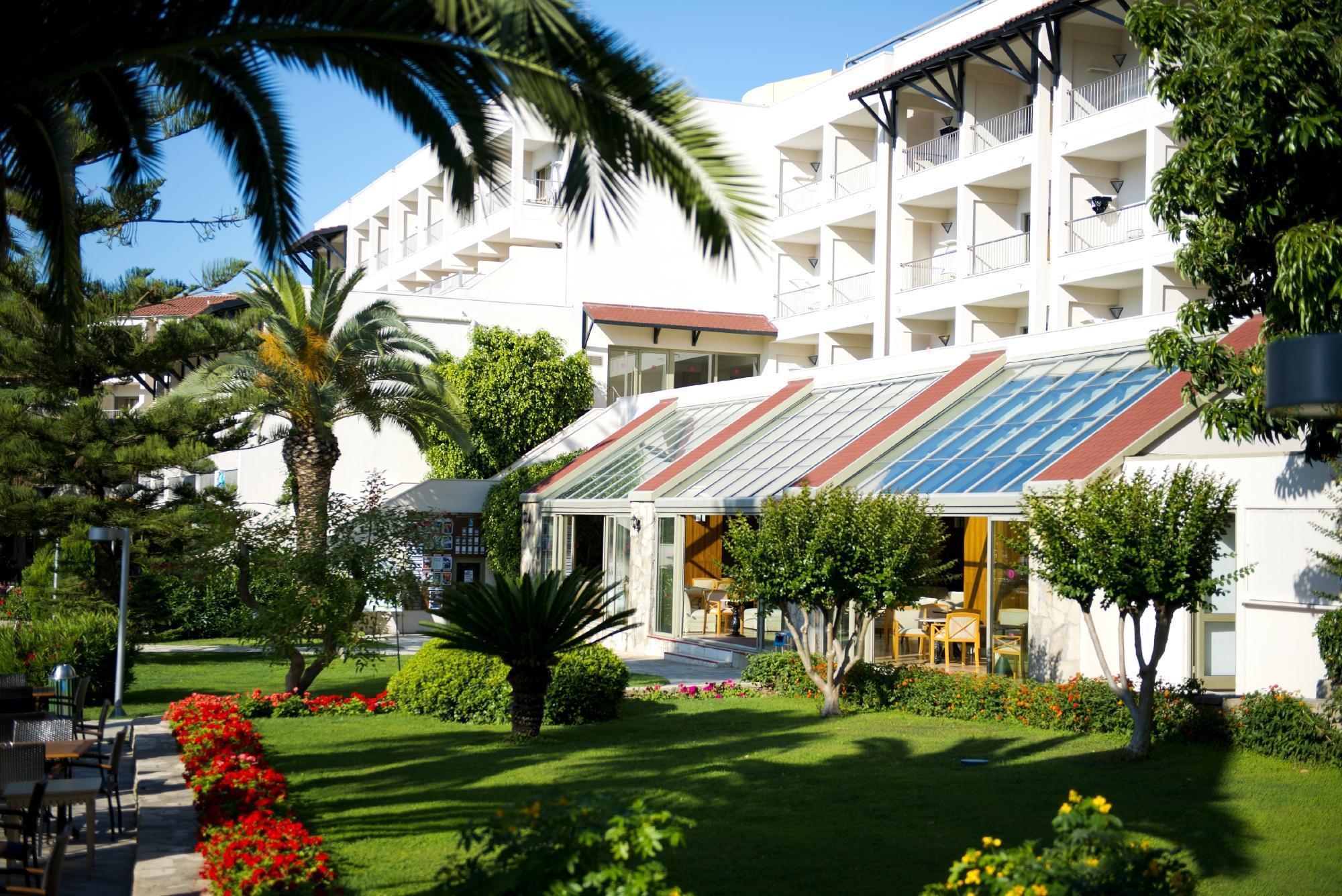 На фото отель Barut Hemera