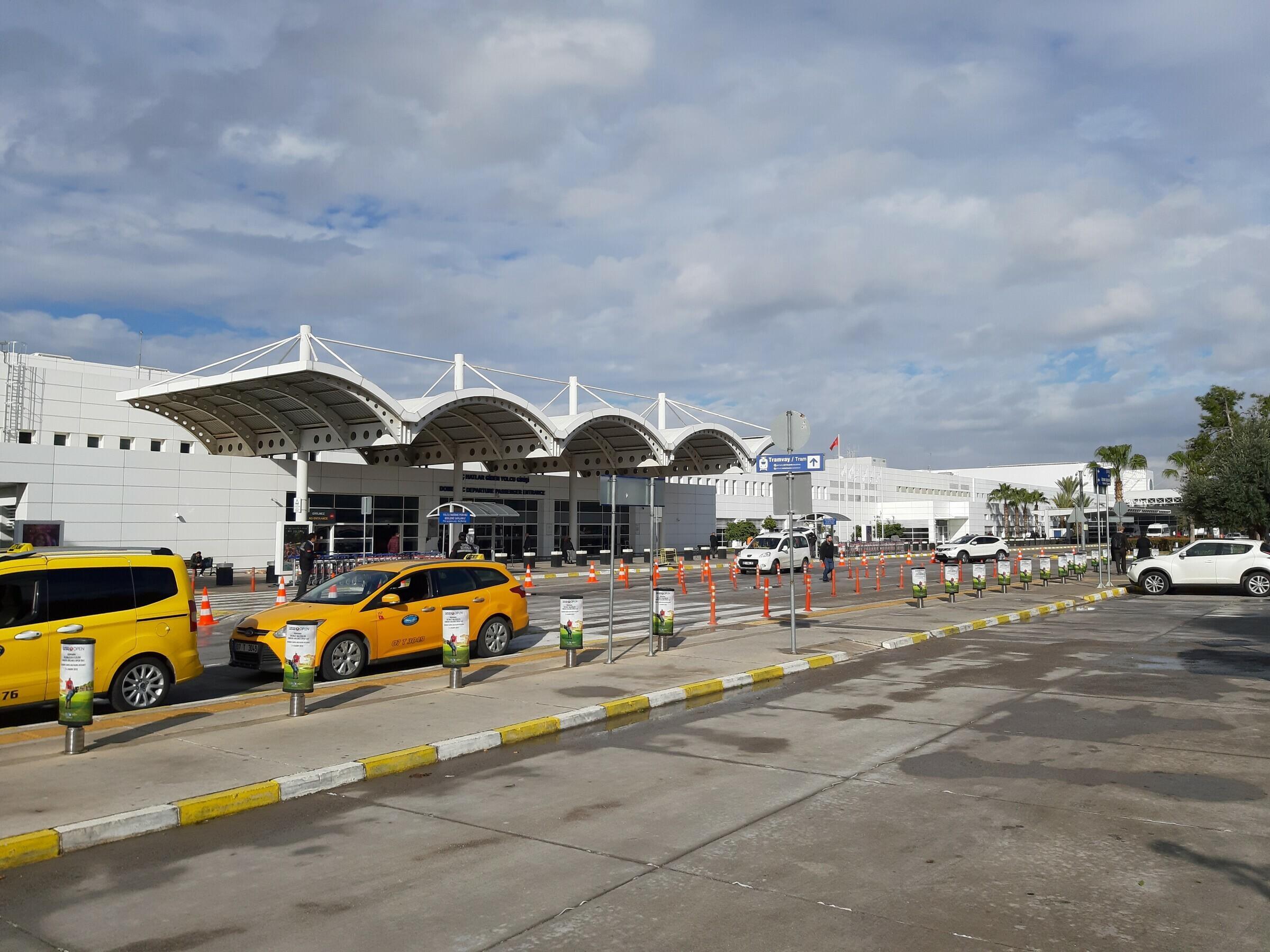 Такси в аэропорту Антальи