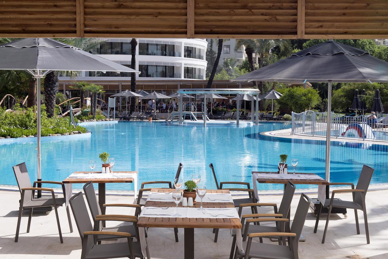 На фото отель Iberostar Grand Azur 5*