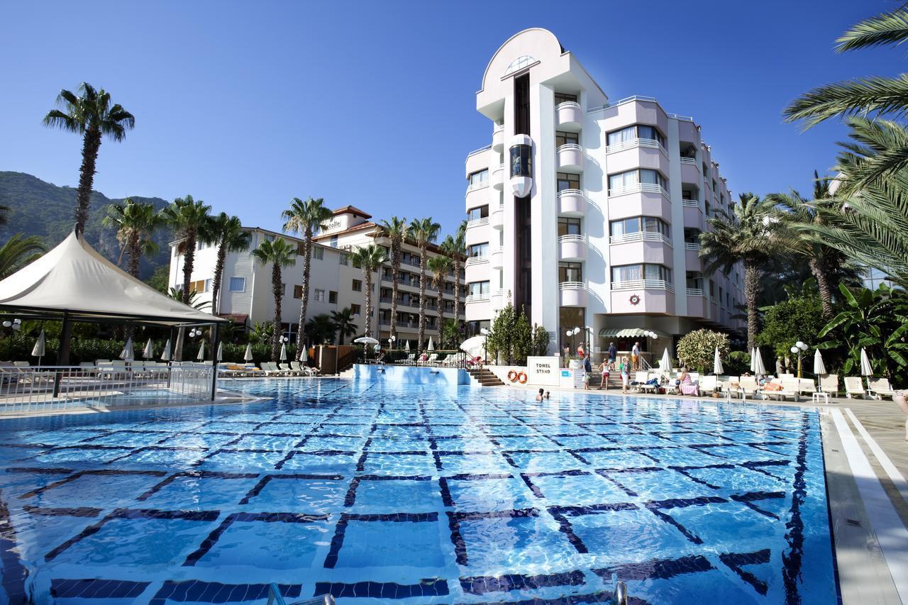На фото отель Hotel Aqua 5*