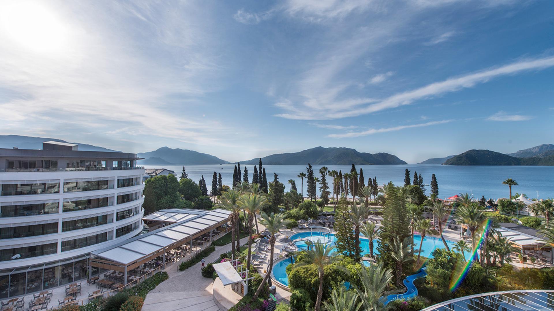 На фото отель Maritim Grand Azur 5*