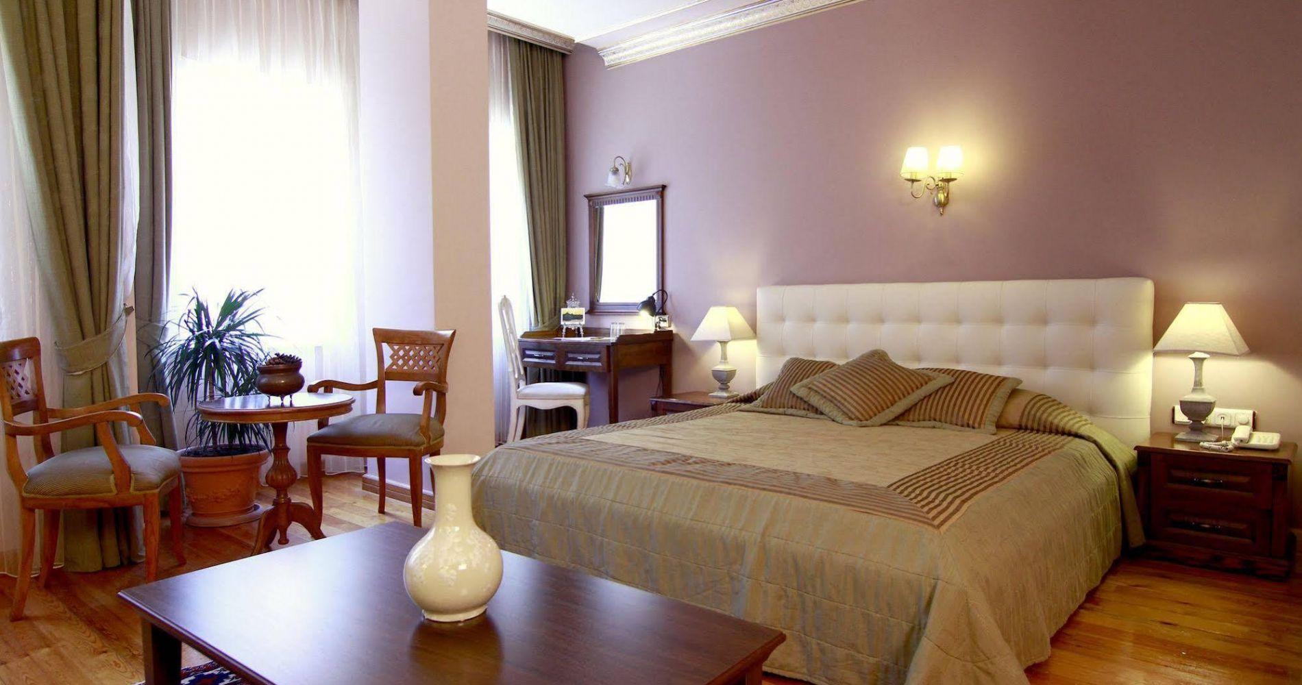 На фото отель Hotel Uyan