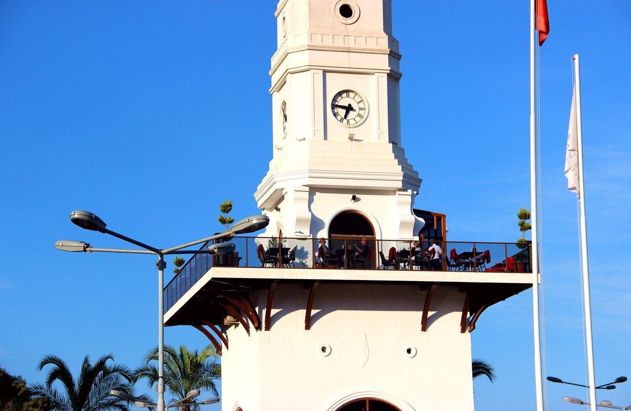 Фото часовой башни в Кемере