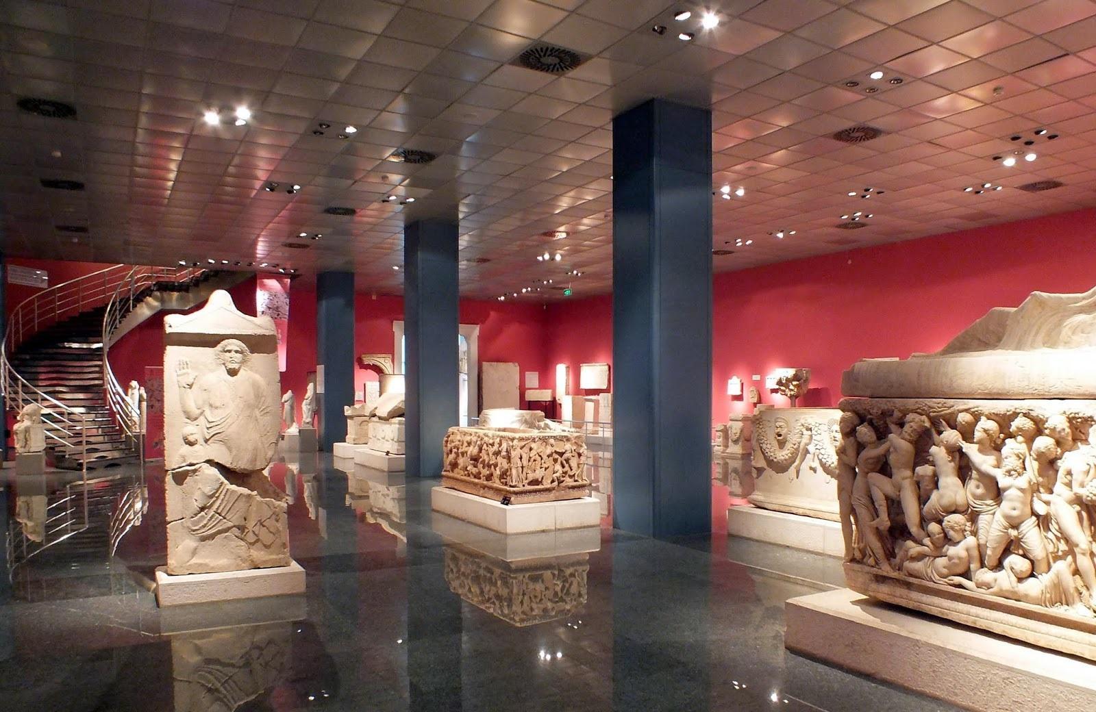 Фото музея в Анталии