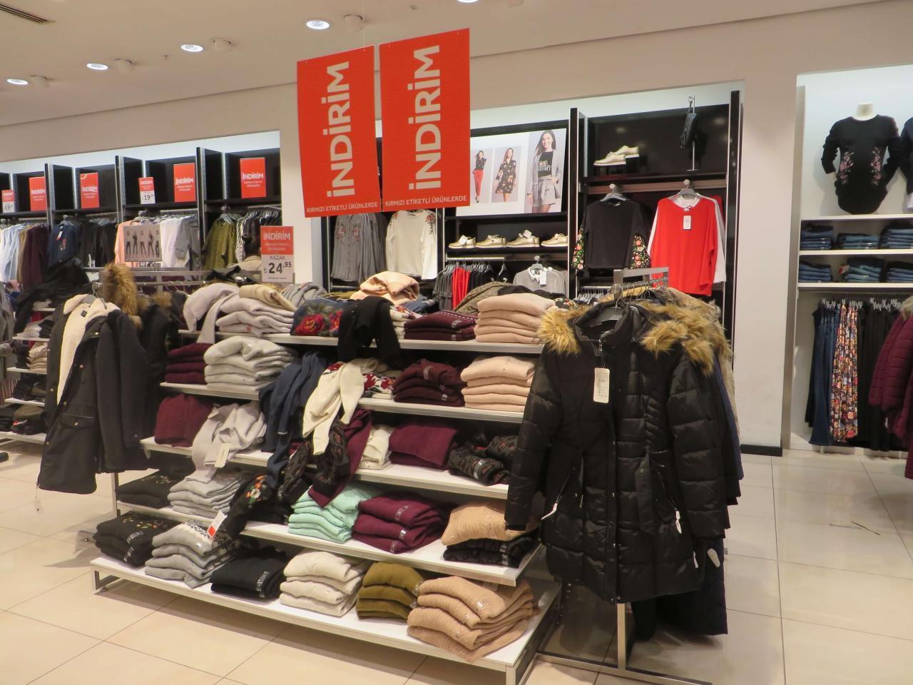Фото магазинов с одеждой в Анталии