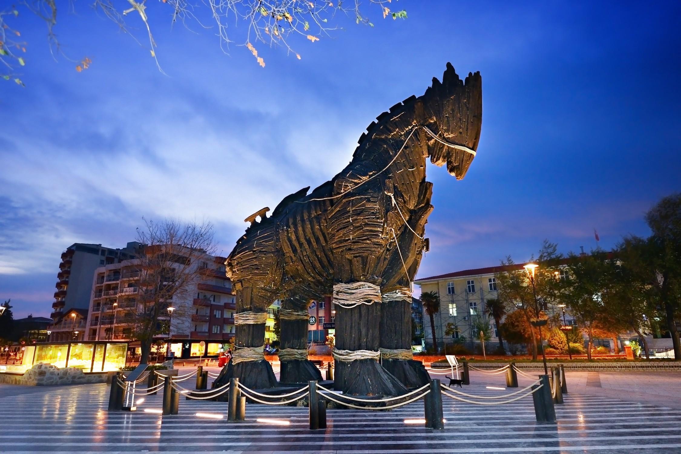 Фото троянского коня