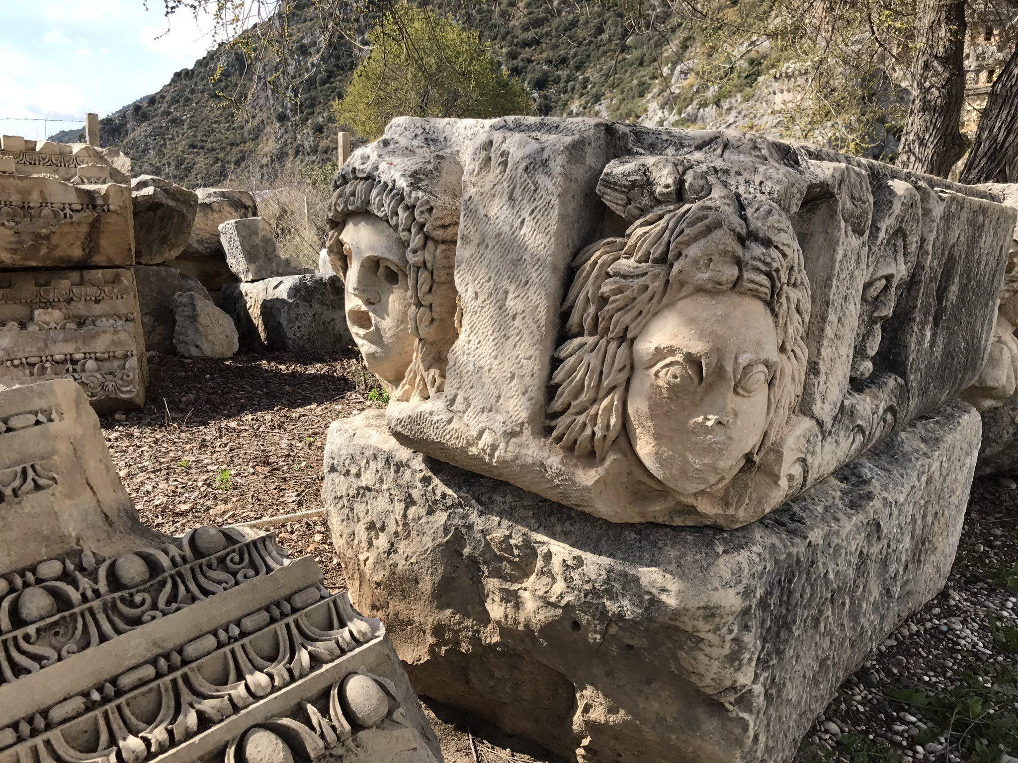 Руины города Демре в Турции