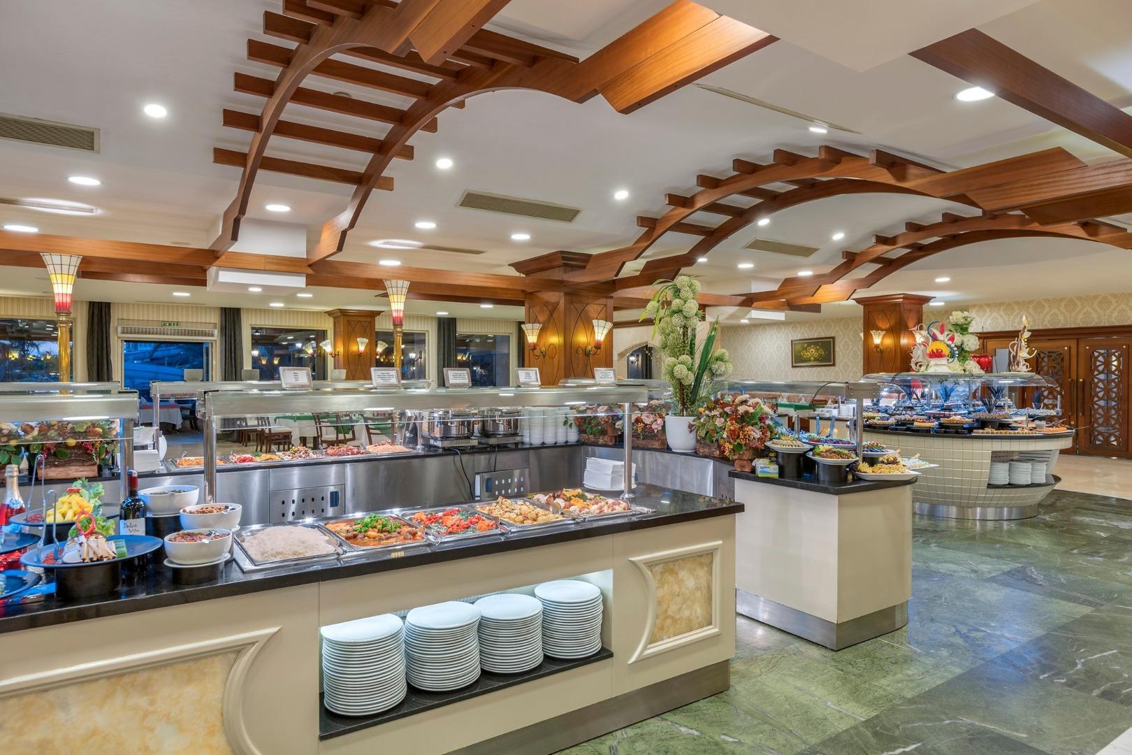 Фото ресторана в Alva Donna Beach Resort Comfort