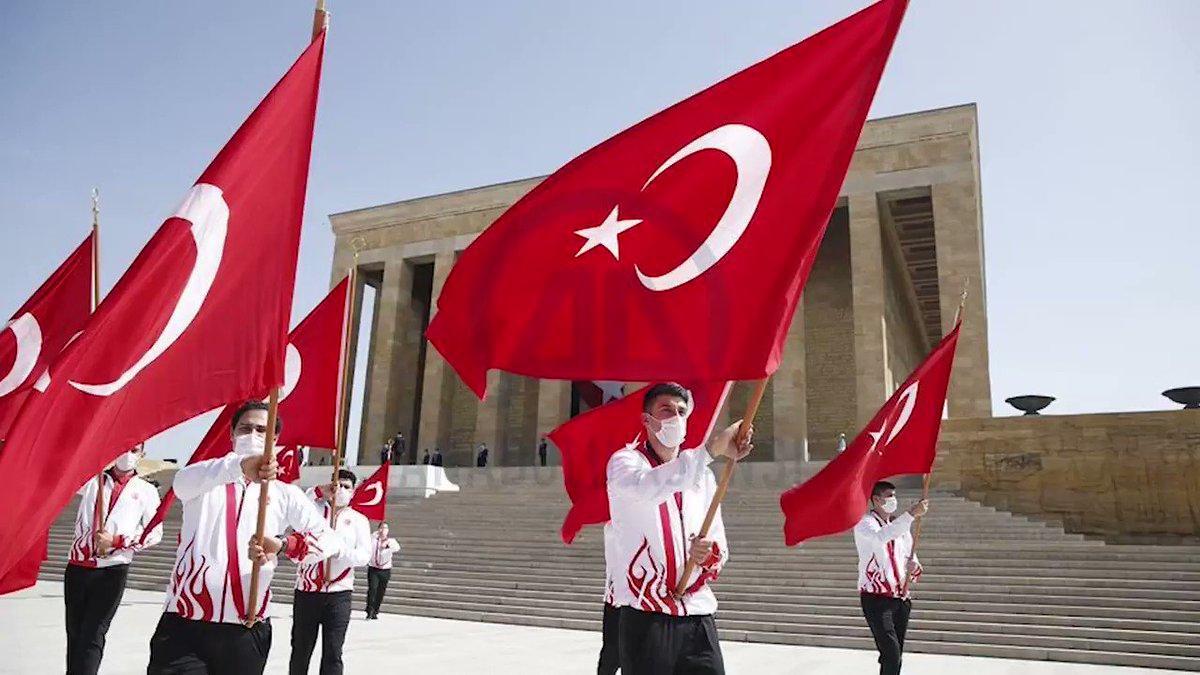 Фото праздника в честь Ататюрка