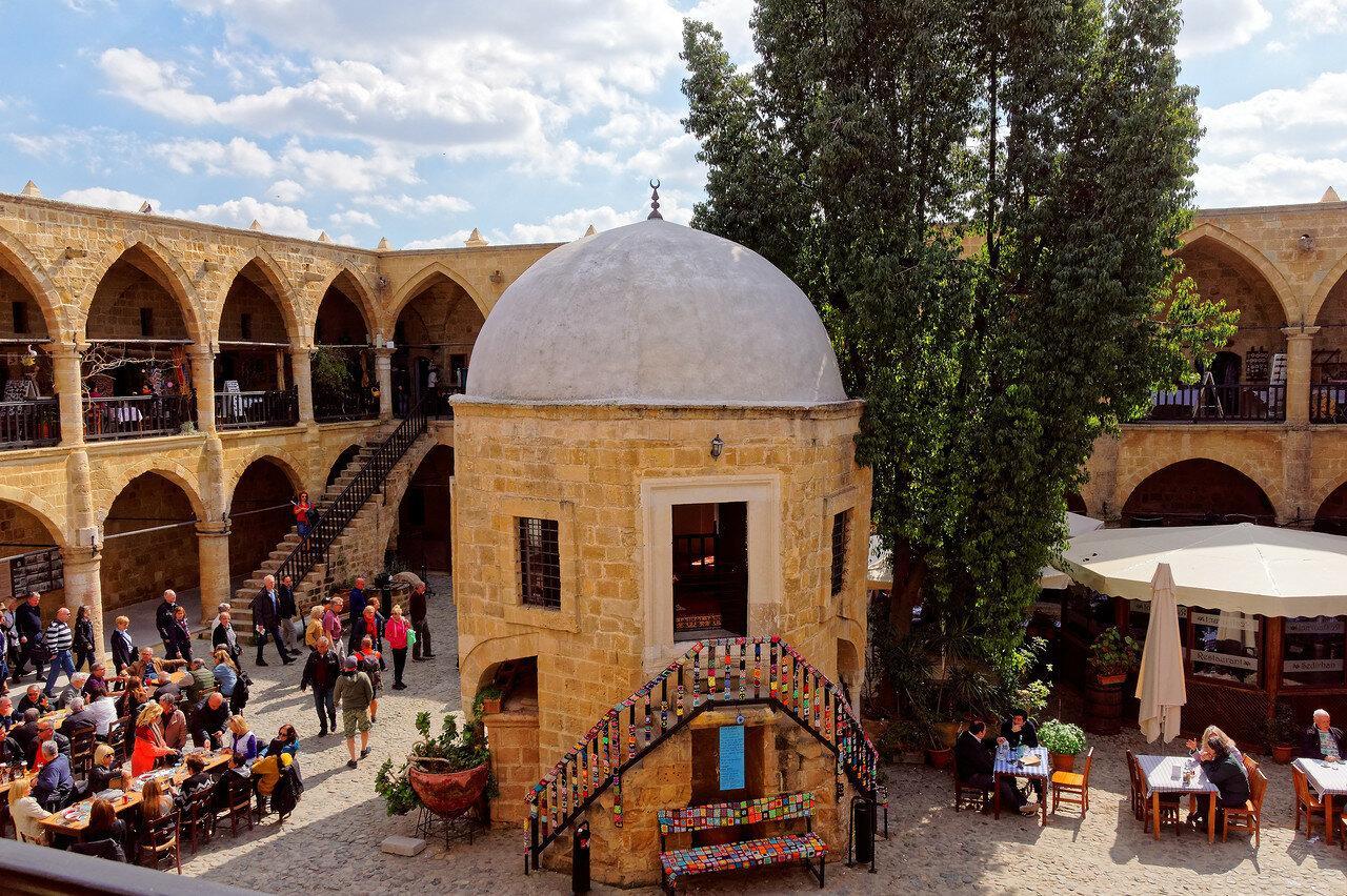 Фото караван-сарая султана Хафсы
