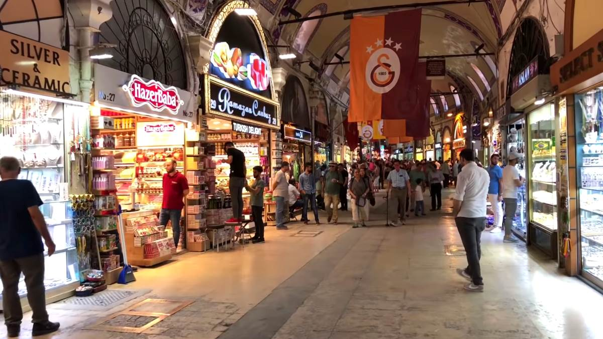 Grand bazaar shops