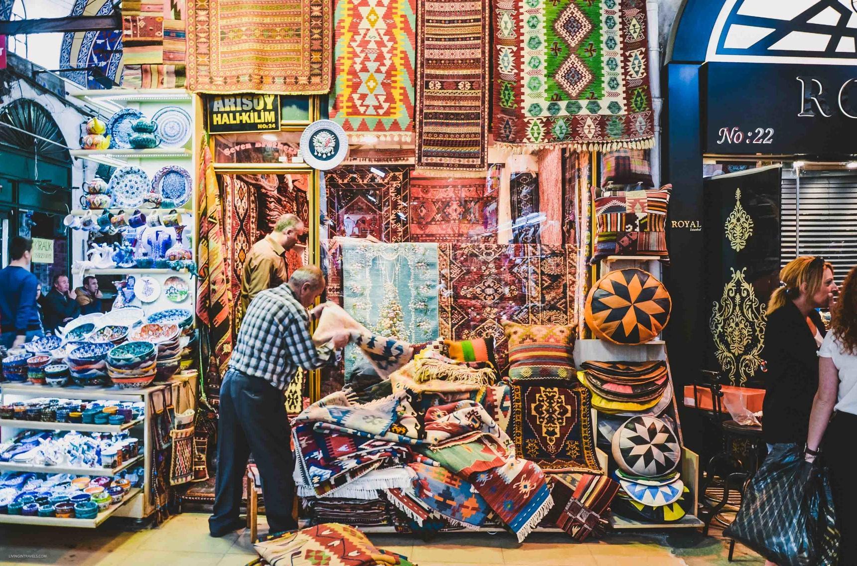 Гранд базар в Стамбуле - это гораздо больше, чем обычный рынок