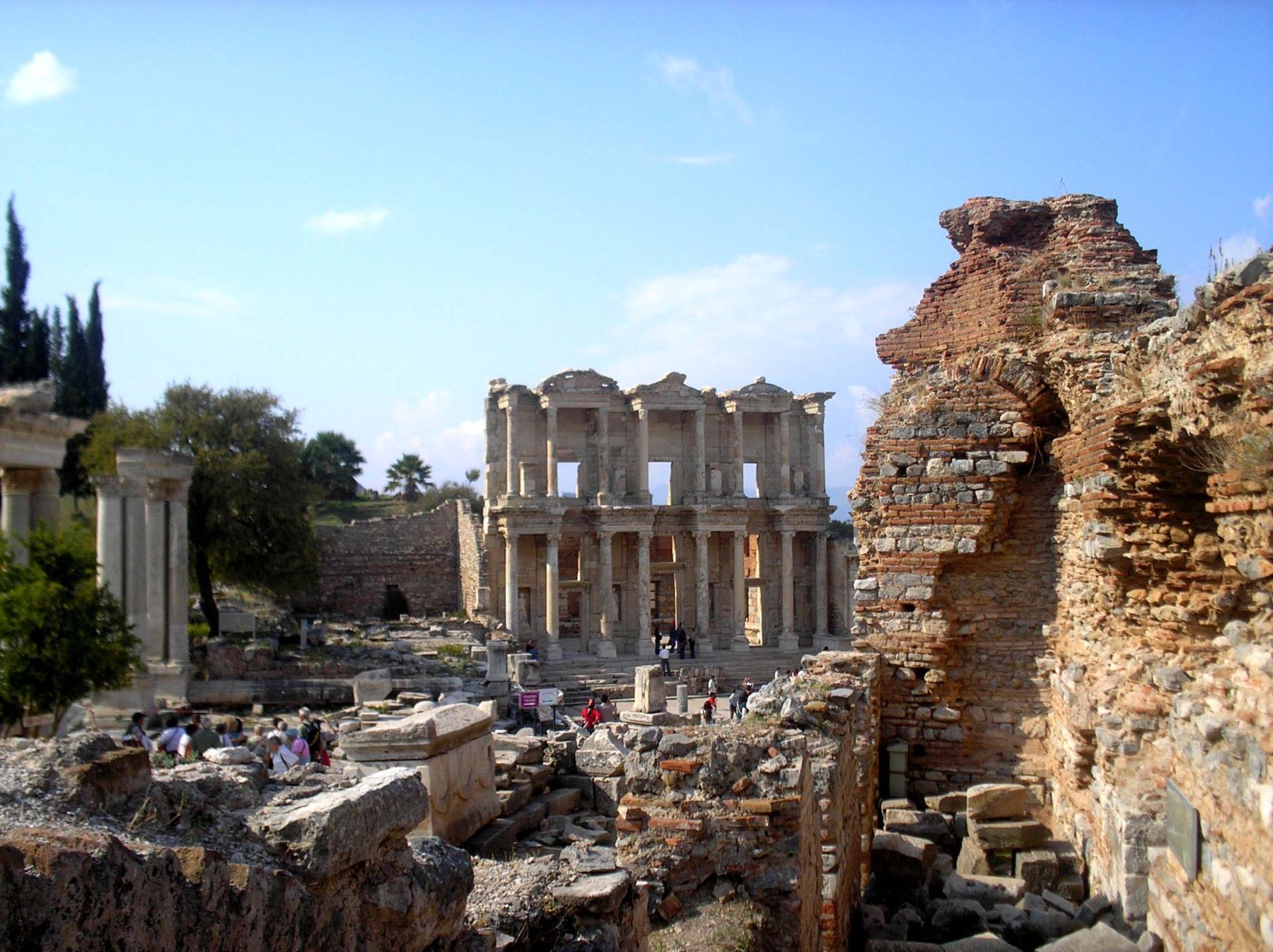 Храм Измир